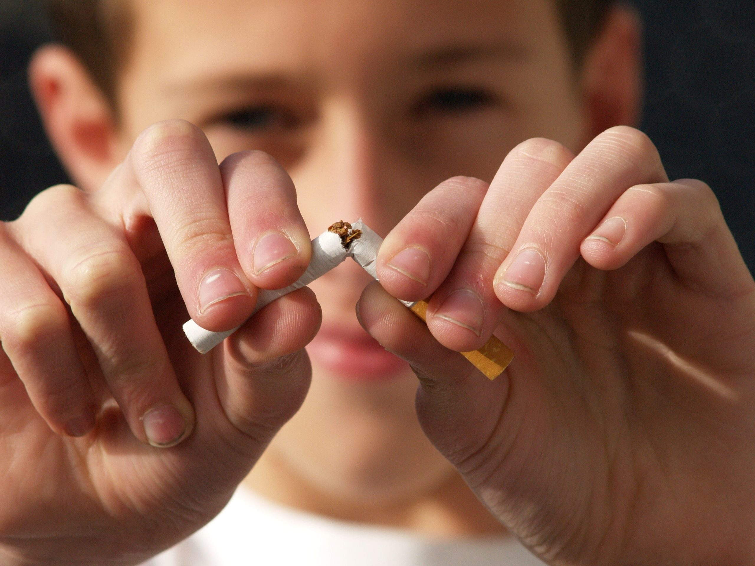 Fremont NE Dentist | Tobacco & Your Teeth: The Risks of Chewing and Smoking